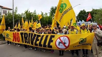 No-alle-trivelle-grande-mobilitazione-in-Abruzzo
