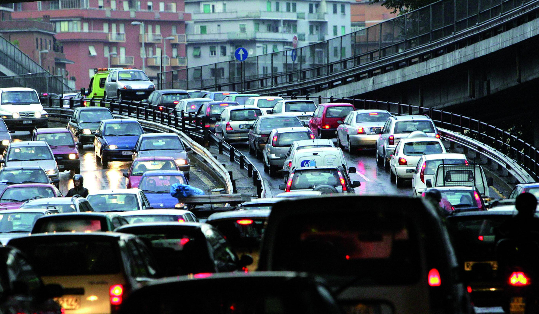 automobili in eccesso