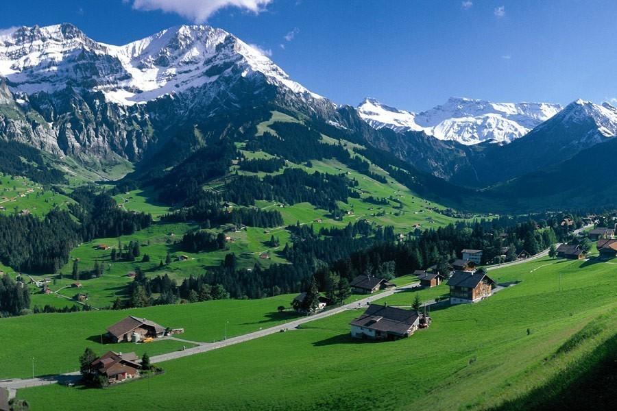 600 sismografi per ascoltare la voce delle Alpi