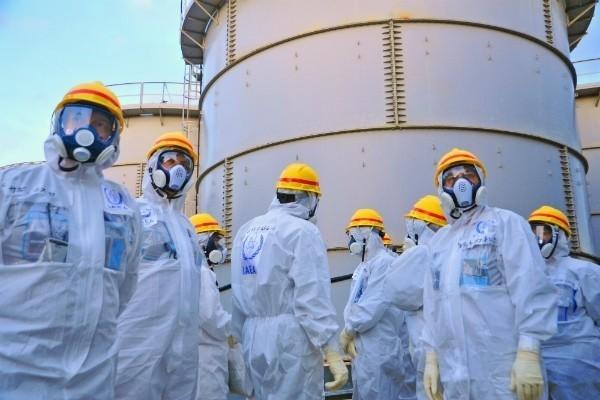 """una squadra di """"liquidatori"""" nei pressi dell'impianto nucleare"""