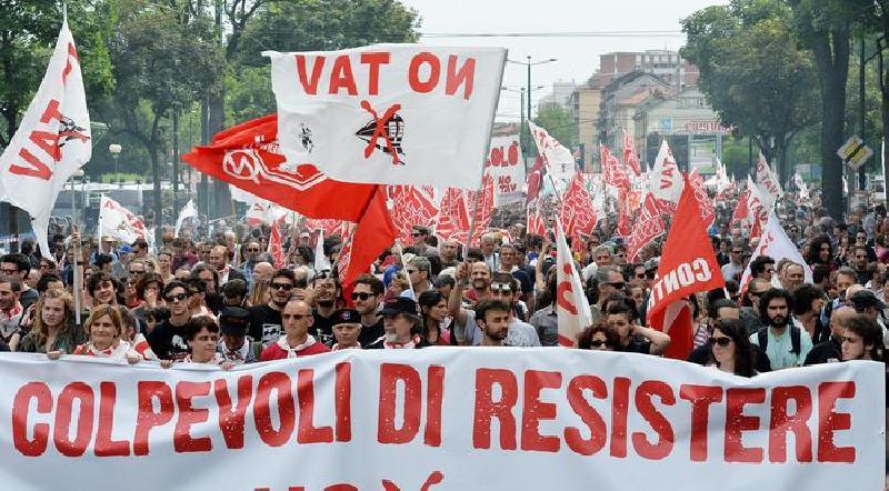 """striscione No Tav """"Colpevoli di resistere"""""""