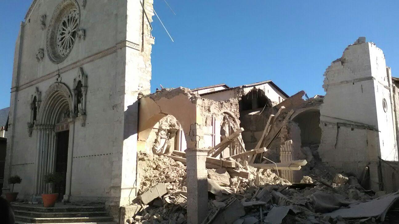 Norcia, la basilica colpita dal sisma