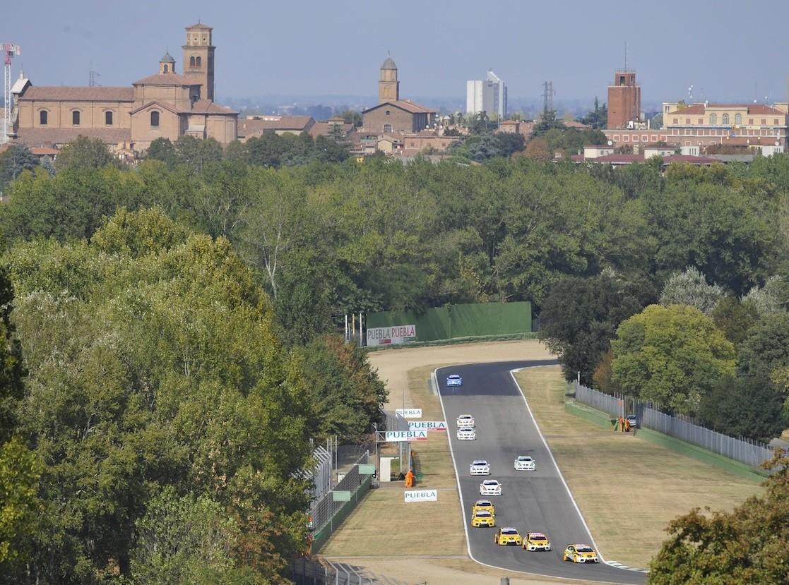 foto aerea autodromo di Imola