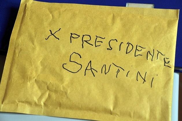 foto della busta che conteneva i proiettili