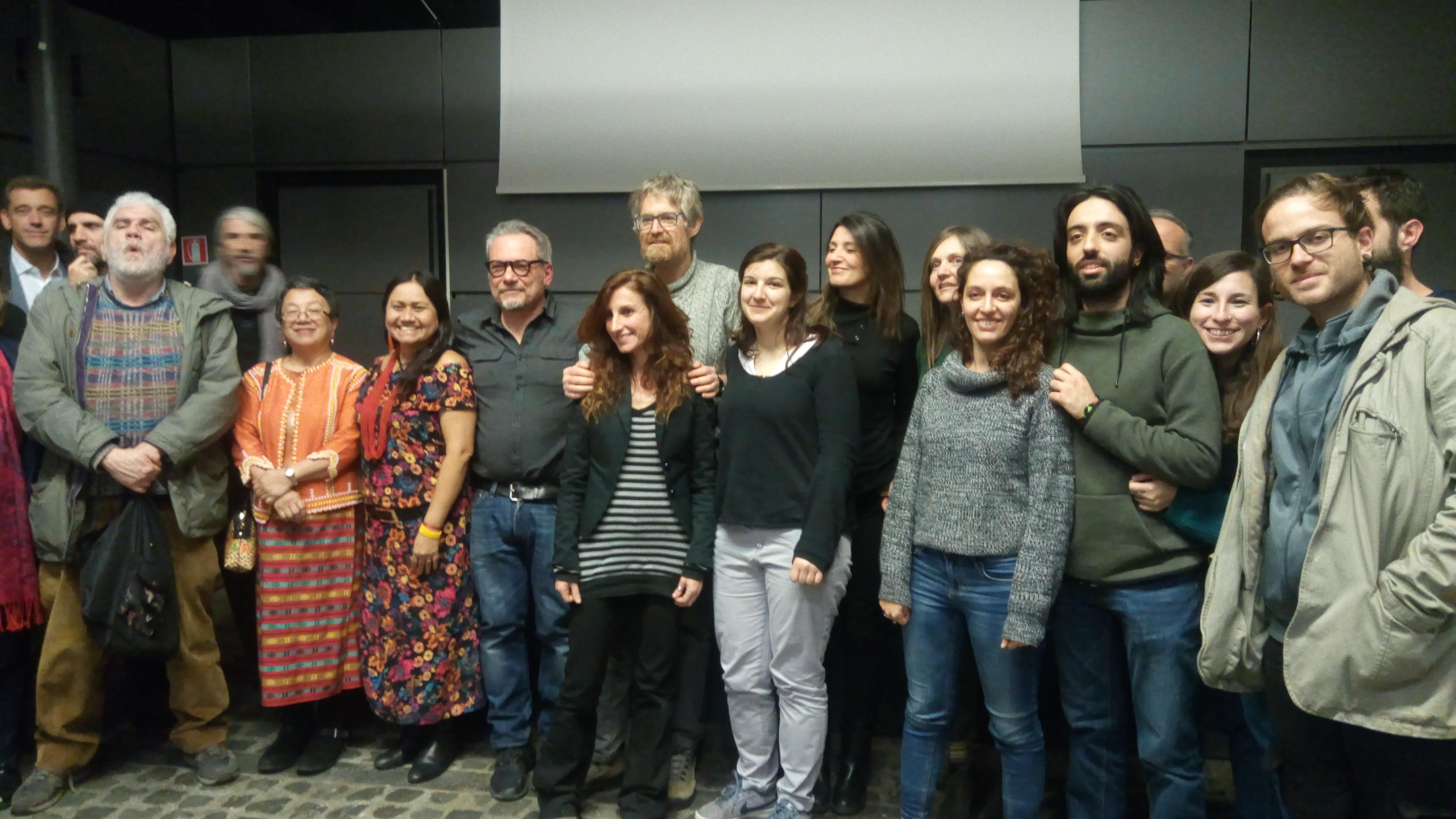Foto di Gruppo con attiviste indigene