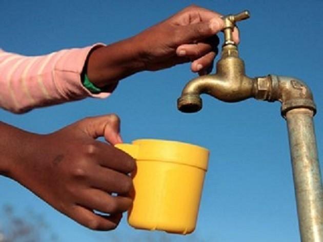 immagine di un rubinetto da cui non esce acqua