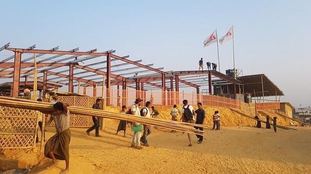 un'immagine dei lavoro per costruire l'ospedale di Msf