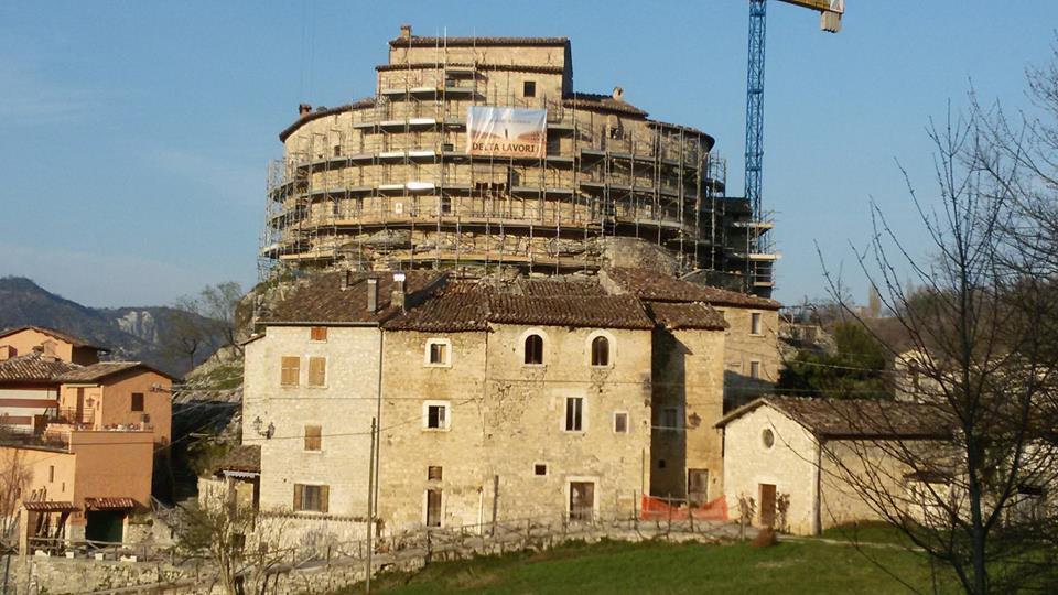 foto di Castel Di Luco