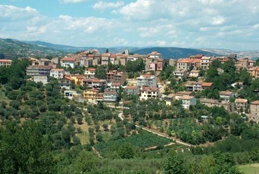 Castelpoto è un piccolo comune