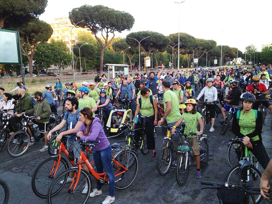 foto della ciclopasseggiata Magnalonga a Roma