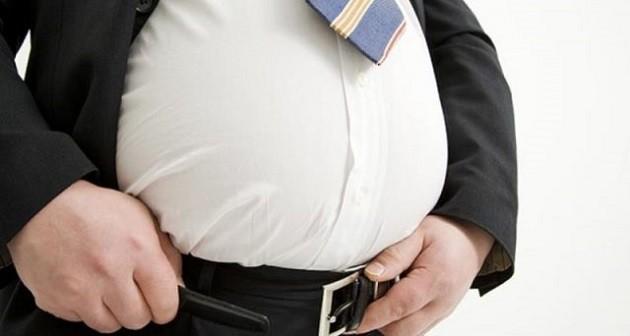 immagine di un uomo sovrappeso
