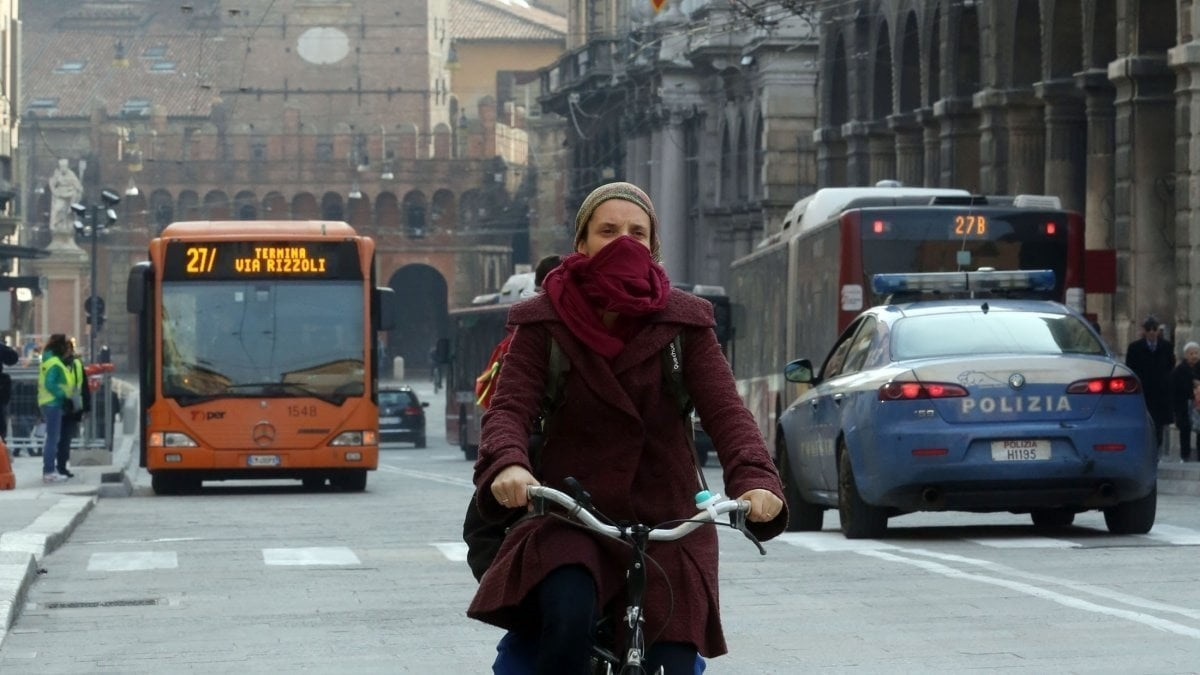 Bologna_traffico_smog