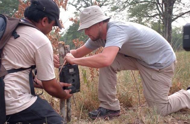 Leonardo DiCaprio in visita al Bardia national park