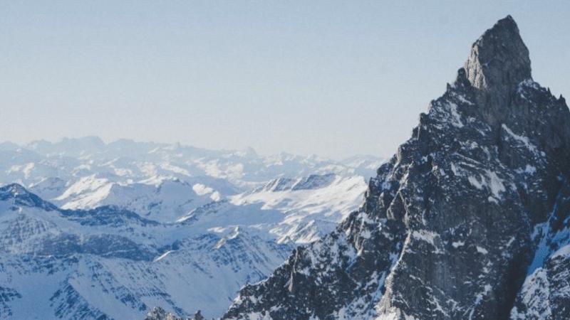 Monte Bianco, il crollo di un masso di ghiaccio
