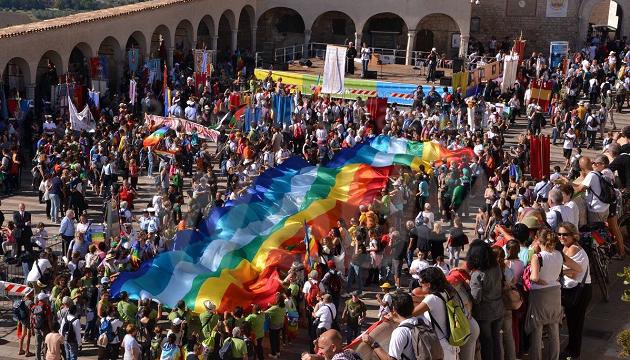 Un'immagine di un'edizione della marcia della pace Perugia-Assisi