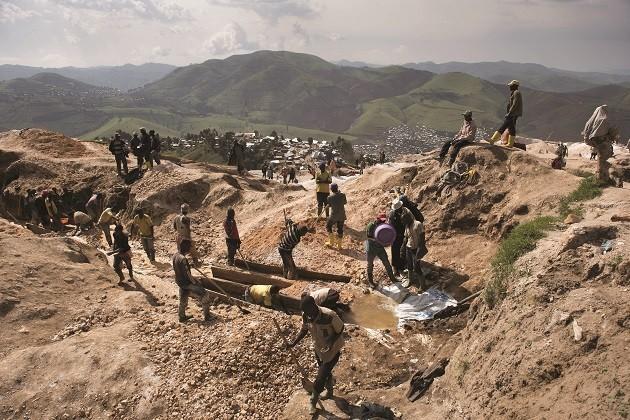 foto di una miniera a cielo aperto nel cuore dell'Africa