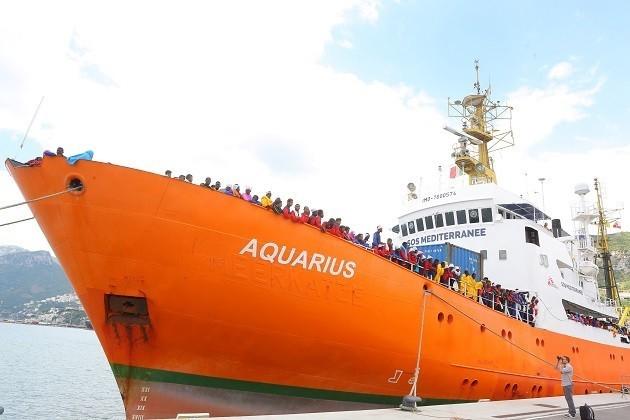 Una fotografia della Nave Aquarius