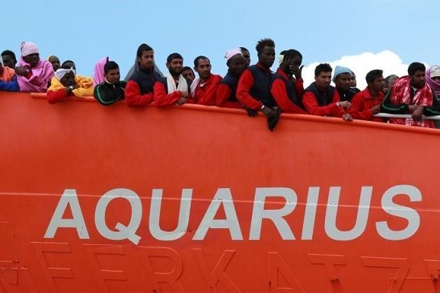 La nave Aquarius soccorre migranti nel Mediterraneo