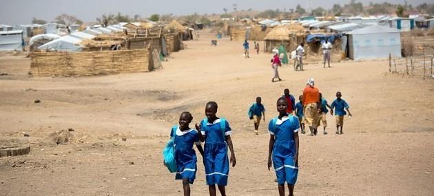 Un programma di aiuti di UNICEF in un villaggio di un Paese africano