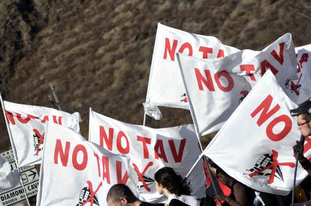 Bussoleno: Marcia In Val Di Susa Contro Il Cantiere Tav Torino Lione