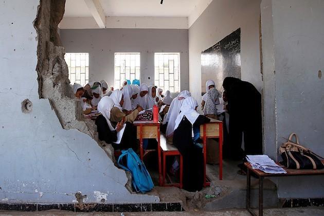 L'immagine di una scuola bombardata a Hudaydah in Yemen