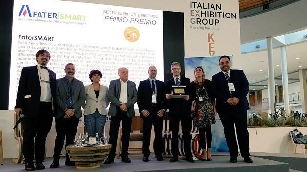 foto della consegna del Premio Sviluppo Sostenibile