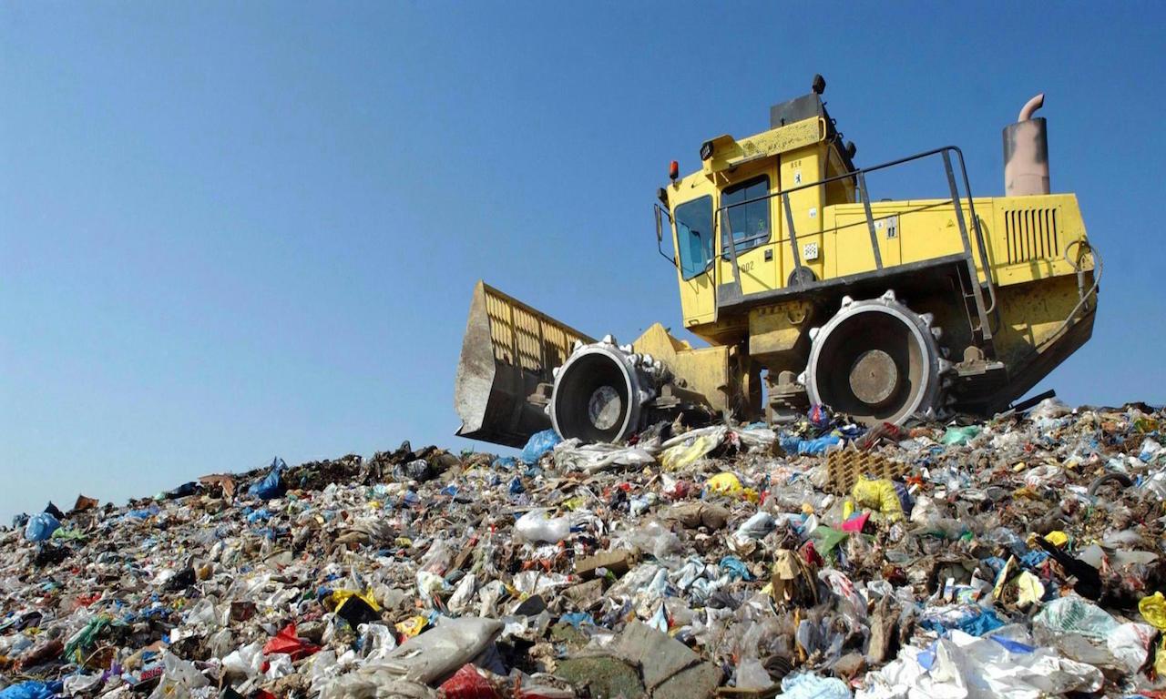 Una montagna di rifiuti in Campania