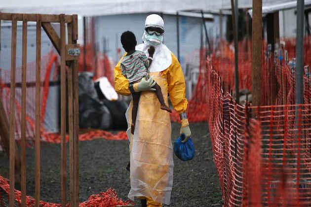 Un bambino allontanato da un'area colpita da Ebola in Rep. Dem. Congo