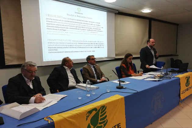 Un'immagine del dibattito svoltosi durante la II edizione dell'EcoForum Marche