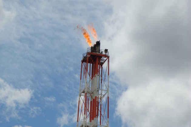 L'immagine di un impianto di estrazione di petrolio in Basilicata