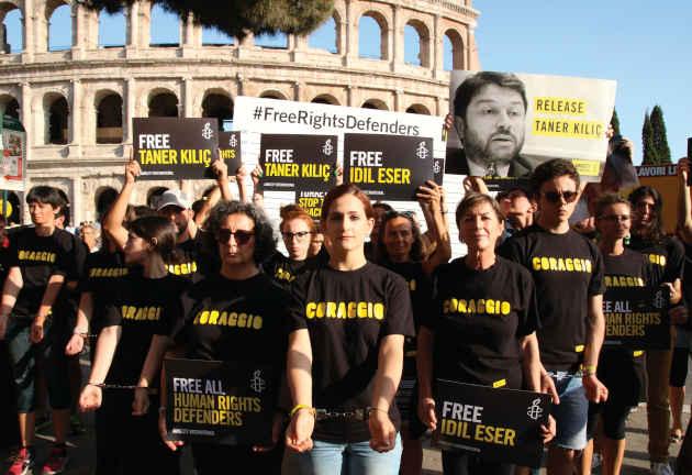 Manifestazione Di Amnesty International Contro Le Detenzioni In Turchia