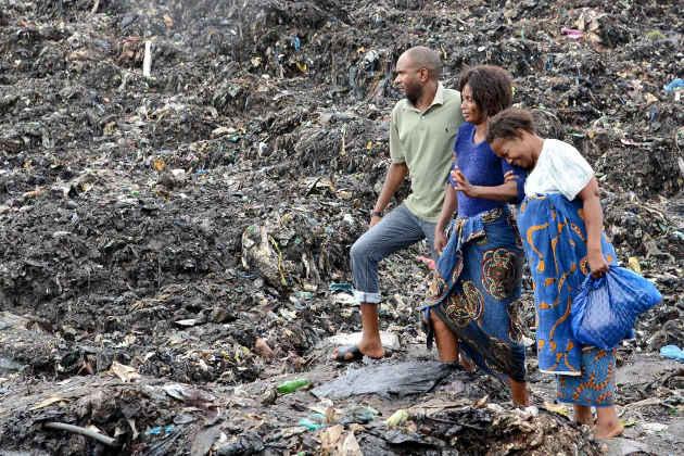 L'immagine della discarica crollata a Maputo che ha causato decine di mort