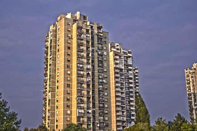 immagine di un cortile condominiale