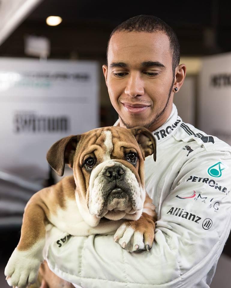 foto di Hamilton con il suo cane