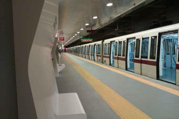 Un'immagine di una Metro della Linea A di Roma