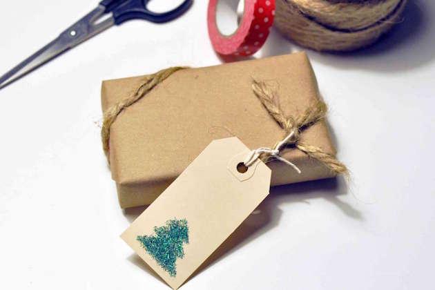 L'immagine di un pacco regalo ecosostenibile