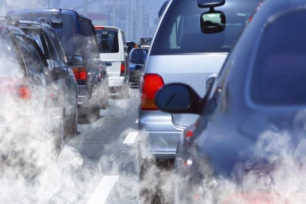 L'immagine di auto incolonnate nel traffico