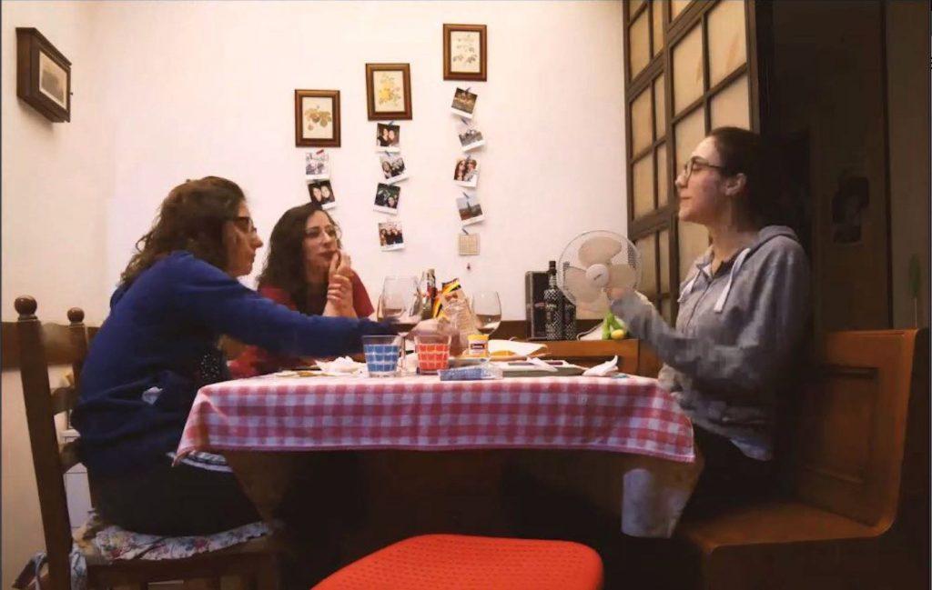 Tutte a casa, documentario