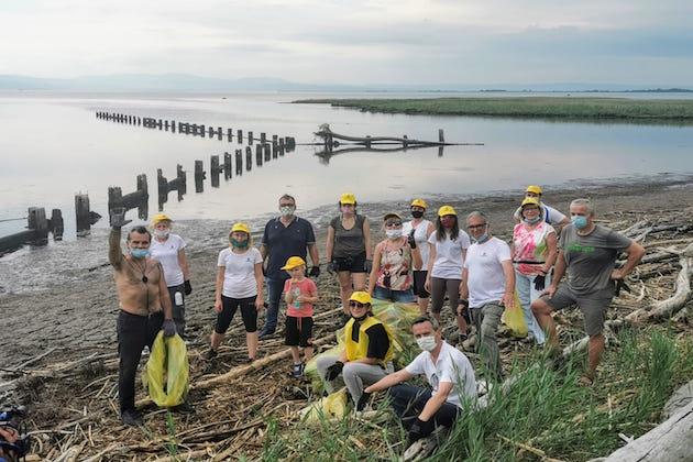 Clean beach tour: Piero Pelù e Legambiente in Friuli Venezia ...