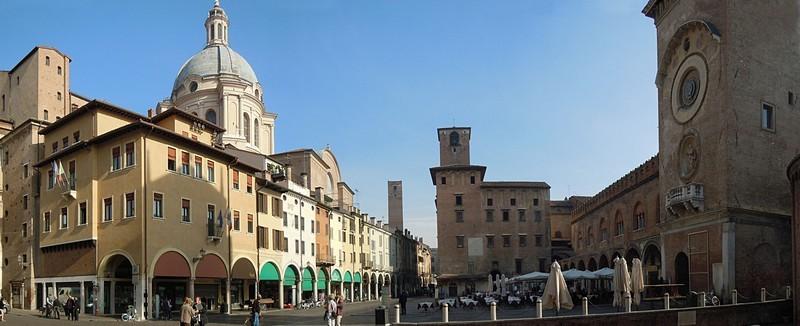 foto di Mantova, Piazza delle Erbe