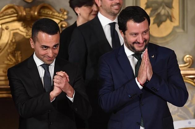 Una fotografia di Di Maio e Salvini