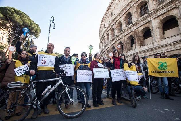 Manifestazione sicurezza stradale (foto di Sara Casna)