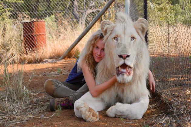 """Un'immagine della protagonista del film """"Mia e il Leone Bianco"""""""