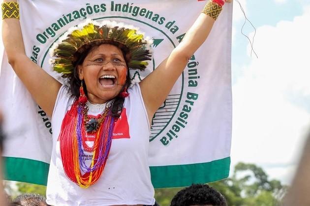 immagine di Francinara Baré, la presidentessa del Coordinamento delle organizzazioni indigene dell'Amazzonia brasiliana