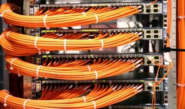 immagine di cavi per la banda larga