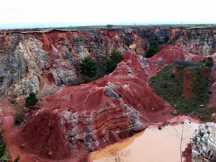 foto cava di bauxite Parco dell'Alta Murgia
