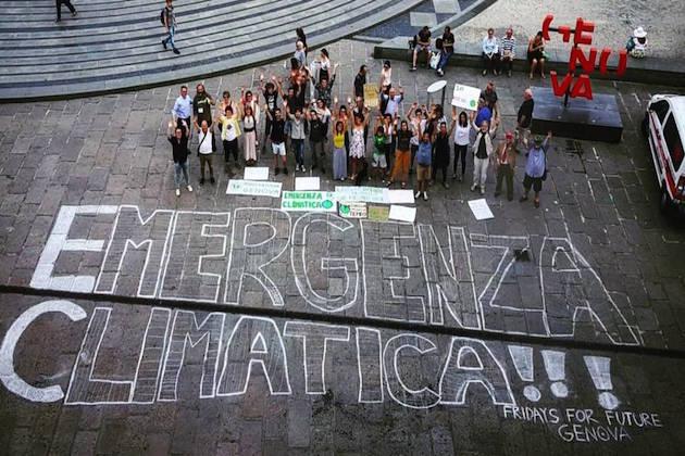 Immagine di attivisti di Fridays For Future Genova