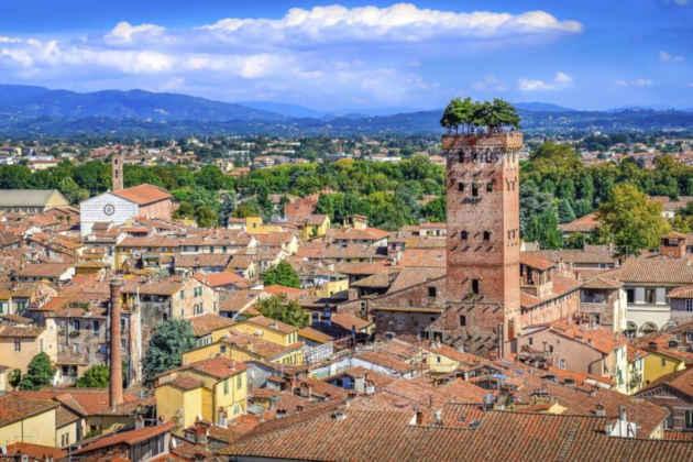 Immagine dall'alto di Lucca