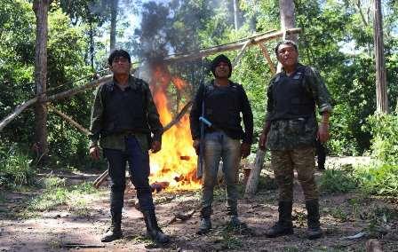 paulo paulino guajajara Kwahu foto di Sarah Shenker/Survival International