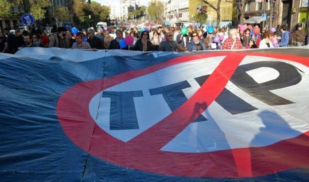 immagine di una protesta contro il Ttip